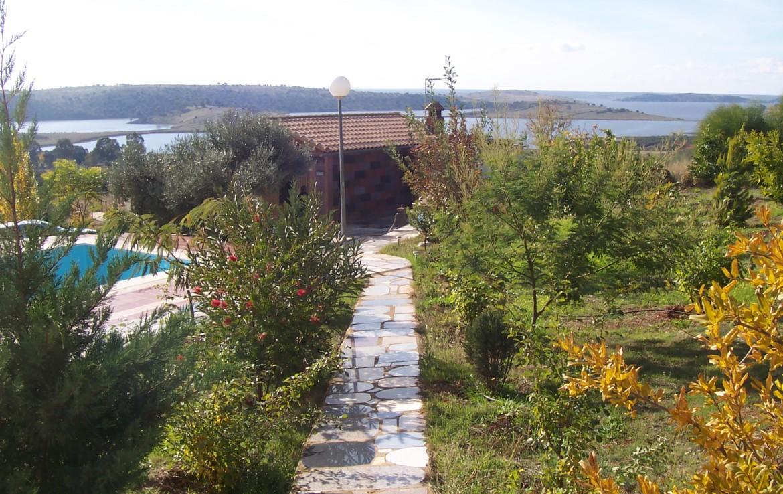 067 OPC Fincas Rústicas SurOeste 1 1170x738 - Parcela de 8.000 m2 en Alange con gran chalet amueblado