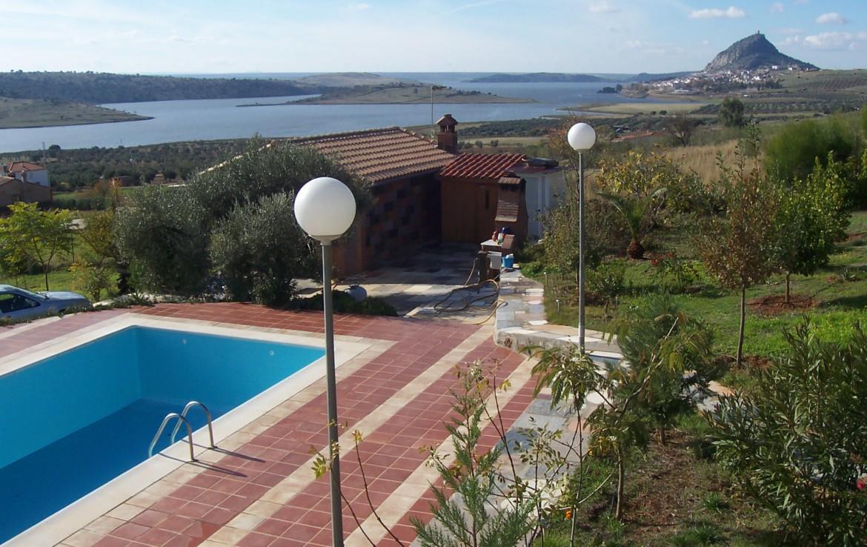 067 OPC Fincas Rústicas SurOeste 6 1170x738 - Parcela de 8.000 m2 en Alange con gran chalet amueblado
