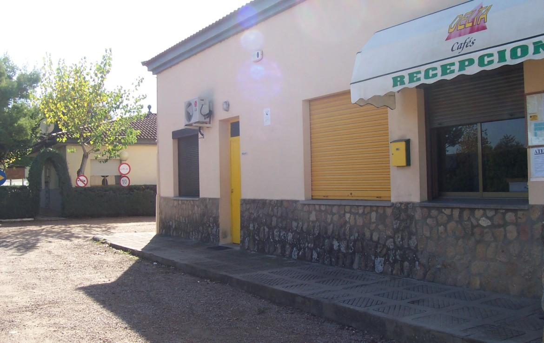 095 OPP Fincas Rústicas SurOEste 6 1170x738 - Camping a pleno rendimiento en Mérida, con 13 bungalow, instalaciones con todos los servicios
