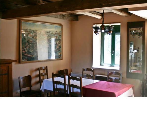 147 Casa rural 2 - Molino de piedra en los montes de León, gran edificio con vivienda, almacén y antiguo molino.
