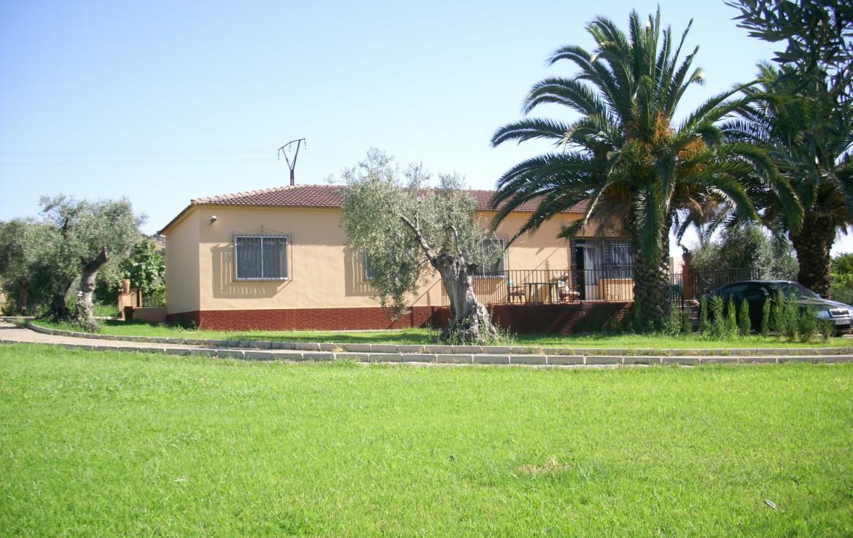 744 OPC Fincas Rústicas SurOeste 1 1170x738 - Chalet en parcela de 2.000 m2 en la falda de la Sierra de Arroyo, con vivienda amueblada de 130 m2 con 5 dormitorios