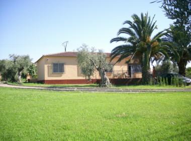 744 OPC Fincas Rústicas SurOeste 1 380x280 - Chalet en parcela de 2.000 m2 en la falda de la Sierra de Arroyo, con vivienda amueblada de 130 m2 con 5 dormitorios