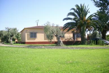 744 OPC Fincas Rústicas SurOeste 1 385x258 - Chalet en parcela de 2.000 m2 en la falda de la Sierra de Arroyo, con vivienda amueblada de 130 m2 con 5 dormitorios
