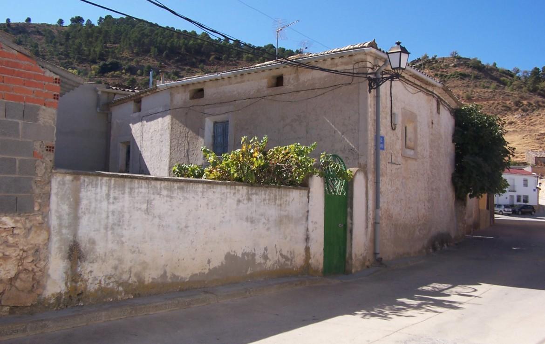 1033 OPU Fincas Rústicas SurOeste 1170x738 - Casa de pueblo en aldea a 30 km de cuenca, 300 m2, cinco dormitorios