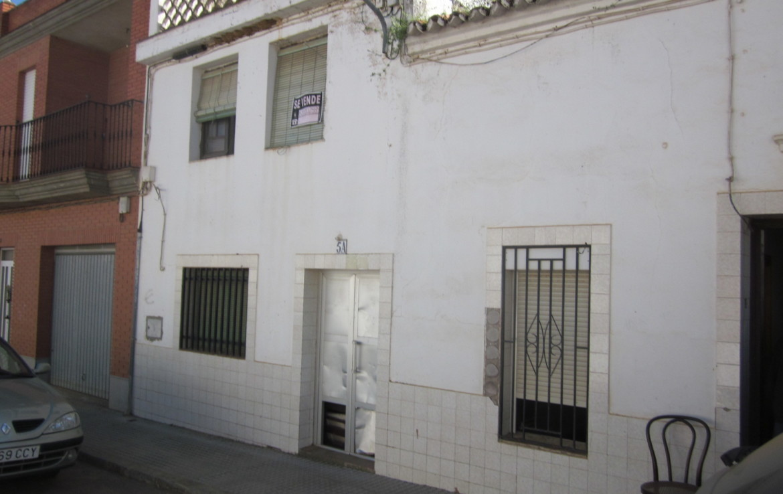 058 OPU Fincas Rústicas SurOeste 7 1170x738 - Casa en Cristina (Badajoz), cuenta con 200 metros cuadrados, 8 habitaciones, baños, salón y terraza
